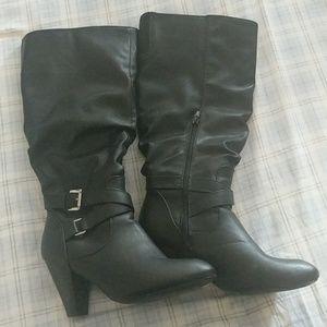 Black Boots 9M